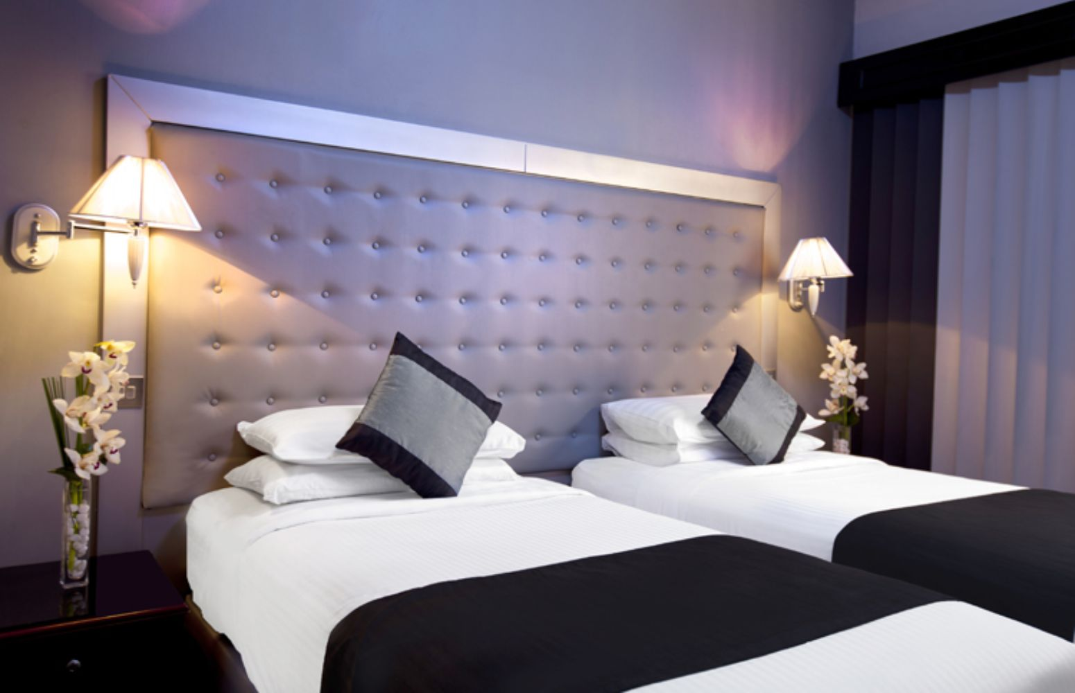 Broadway Hotel Rooms